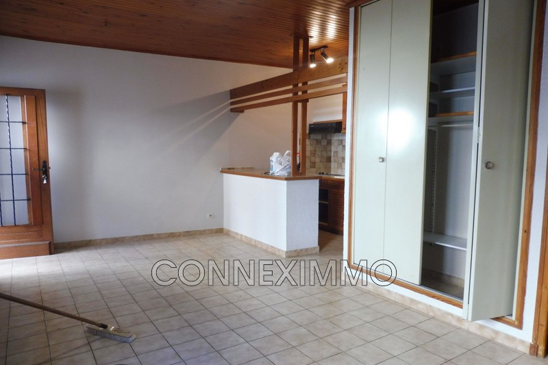 Photo Village house Générac Costieres,  Rentals village house  1 room   26 m²