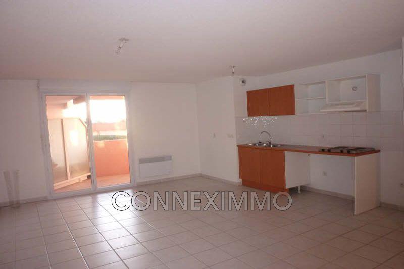 Photo Appartement Générac Costieres,  Location appartement  4 pièces   81m²