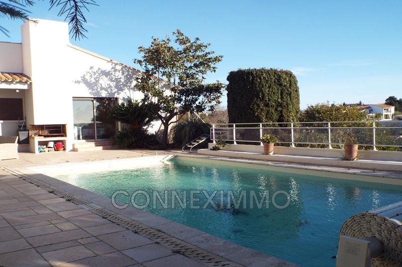 Photo Villa Arles   achat villa  5 chambres   300m²