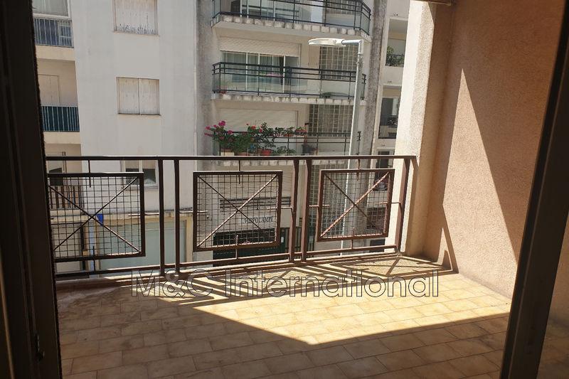 Photo Appartement Juan-les-Pins Proche plages,  Location appartement  2 pièces   36m²