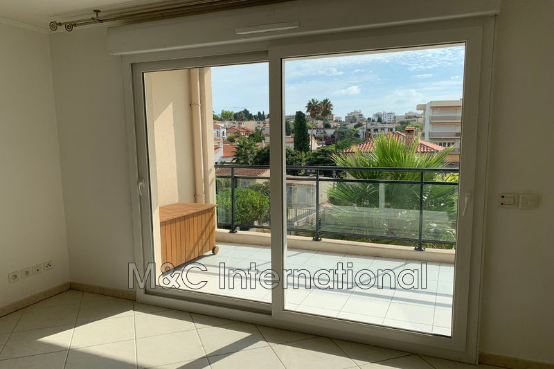 Photo Apartment Juan-les-Pins Centre-ville,  Rentals apartment  3 rooms   55 m²