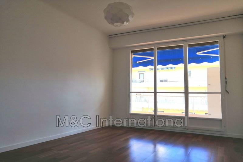 Photo Appartement Antibes Centre-ville,  Location appartement  2 pièces   46m²