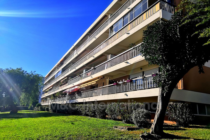 Photo Apartment Antibes  Rentals apartment  3 rooms   68 m²