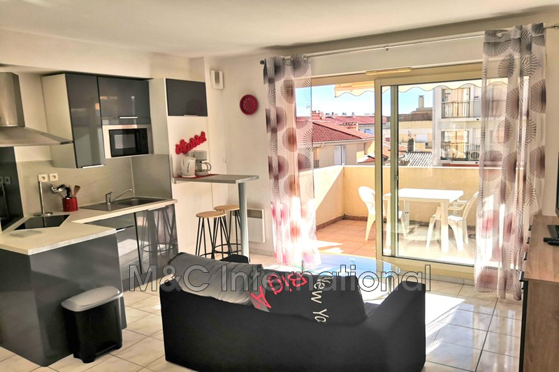 appartement  2 pièces  Antibes Centre-ville  30m² -