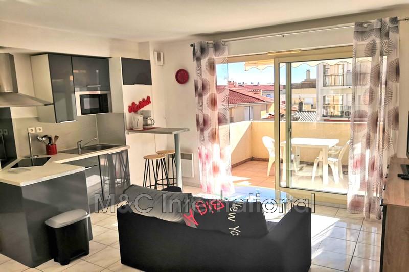 Photo Appartement Antibes Centre-ville,  Location appartement  2 pièces   30m²