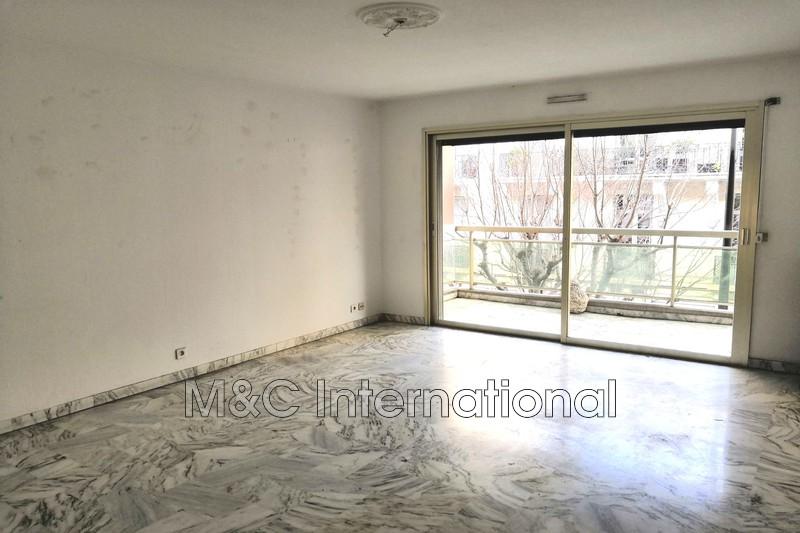 Photo Appartement Antibes Centre-ville,  Location appartement  3 pièces   66m²