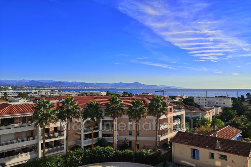 appartement  2 rooms  Antibes   57m² -
