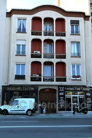 appartement  2 pièces  Antibes Centre-ville  57m² -