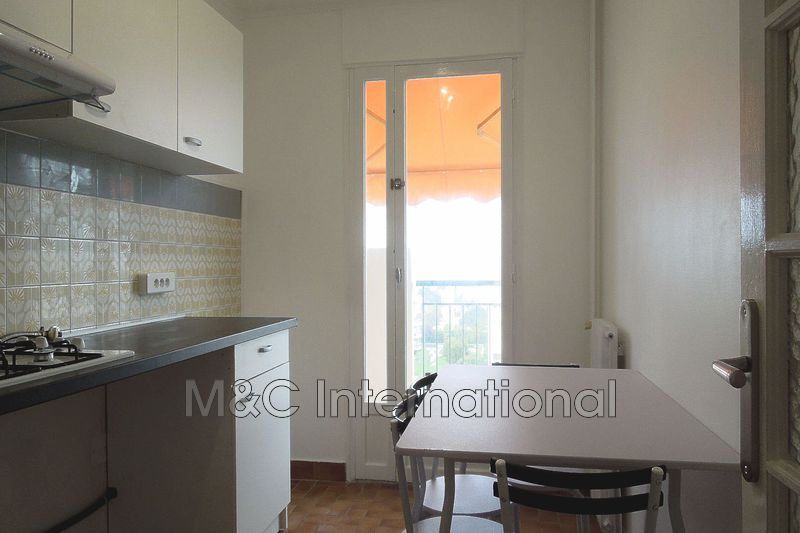 Photo n°2 - Vente appartement Antibes 06600 - 233 200 €