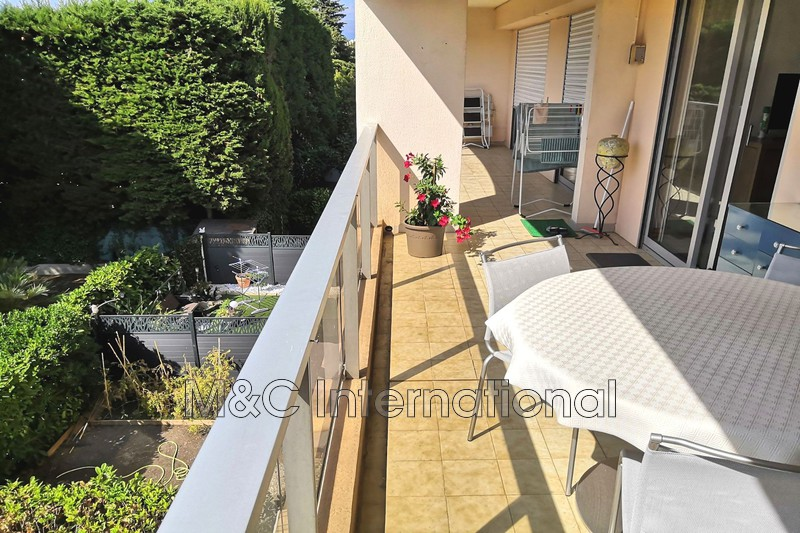 Photo Apartment Antibes Proche centre ville,   to buy apartment  3 rooms   73m²