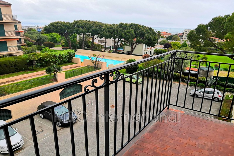 appartement  studio  Antibes Proche centre ville  30m² -