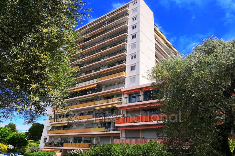 appartement  1 room  Antibes   38m² -