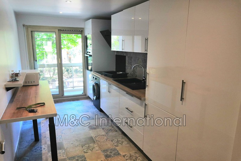 appartement  3 rooms  Juan-les-Pins   67m² -