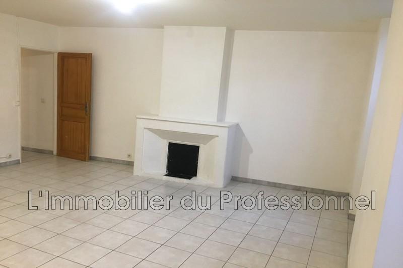 Photo n°2 - Location appartement Vidauban 83550 - 613 €
