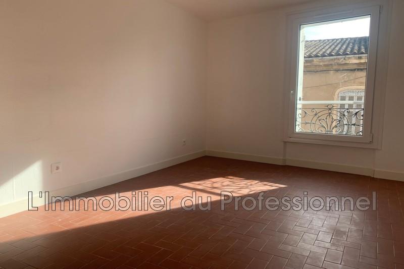 Photo n°2 - Location appartement Vidauban 83550 - 680 €