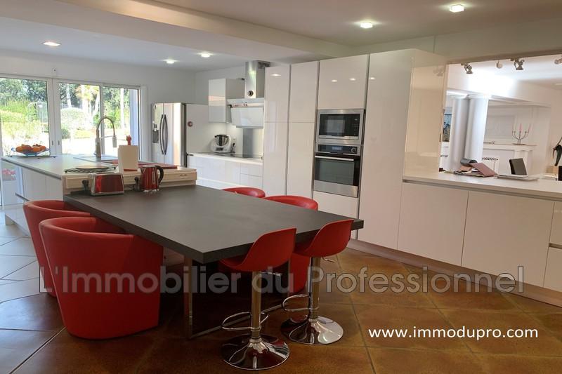 Photo n°4 - Vente Maison propriété Le Cannet-des-Maures 83340 - 840 000 €