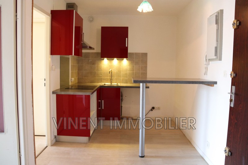 Photo Appartement Montélimar  Location appartement  2 pièces   48 m²