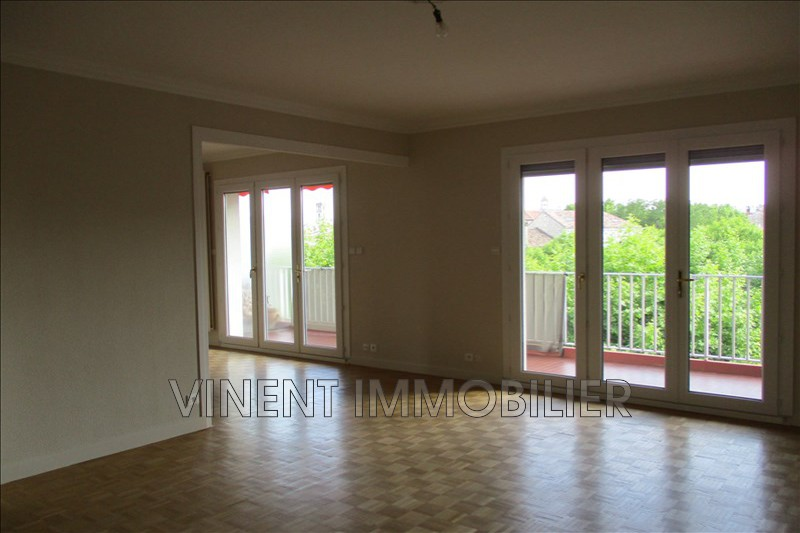Photo Appartement Montélimar  Location appartement  5 pièces   110 m²