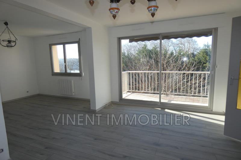 Photo Appartement Montélimar  Location appartement  4 pièces   86 m²