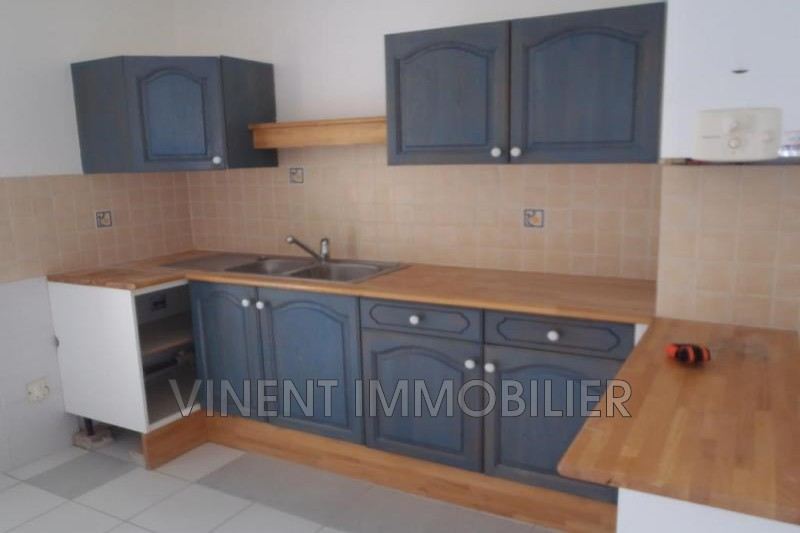 Photo Apartment Montélimar  Rentals apartment  4 rooms   68 m²