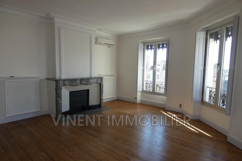 Photo Appartement Montélimar  Location appartement  3 pièces   70m²