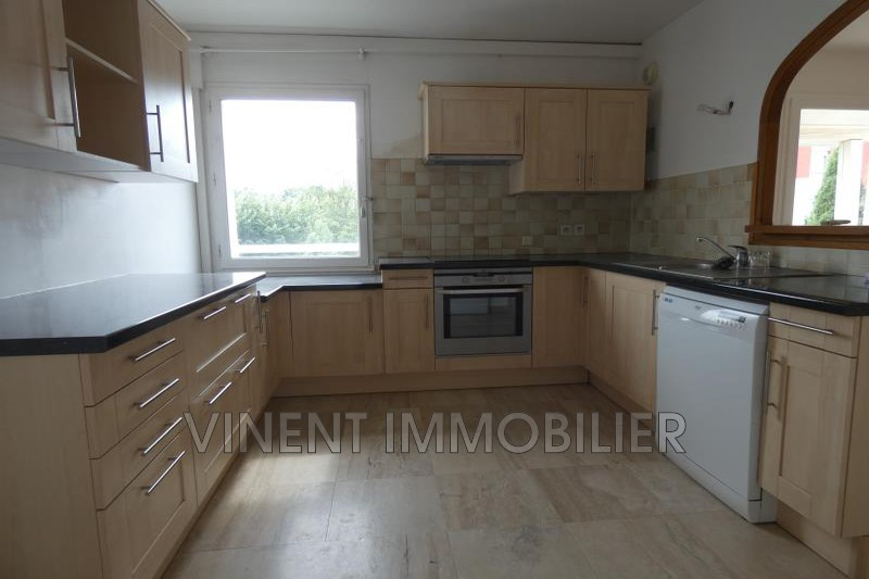Photo Appartement Montélimar  Location appartement  5 pièces   116 m²