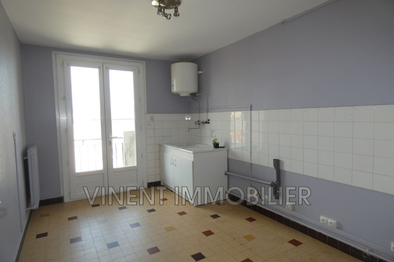 Photo Appartement Montélimar  Location appartement  4 pièces   84 m²