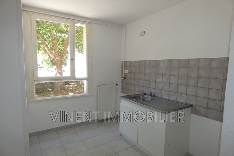 Photo Appartement Montélimar  Location appartement  3 pièces   60 m²