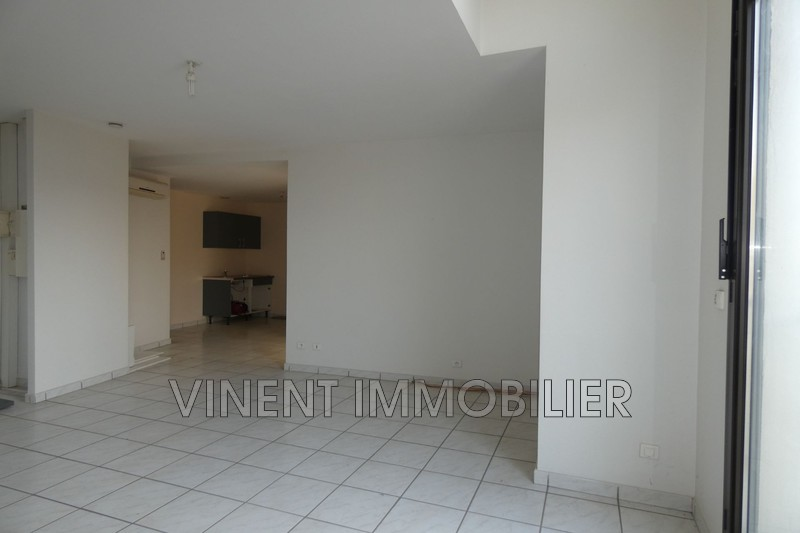 Photo Apartment Montélimar  Rentals apartment  3 rooms   67 m²