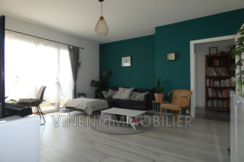 Photo Appartement Montélimar  Location appartement  3 pièces   68m²