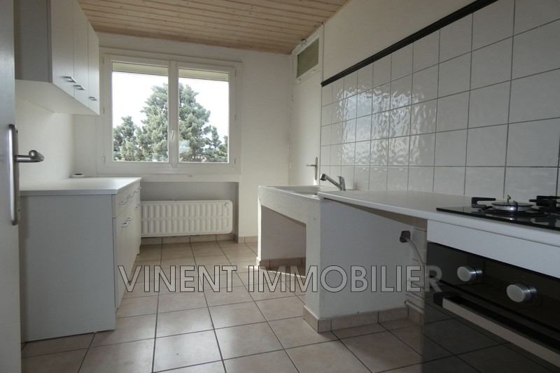 Photo Apartment Montélimar  Rentals apartment  4 rooms   67m²