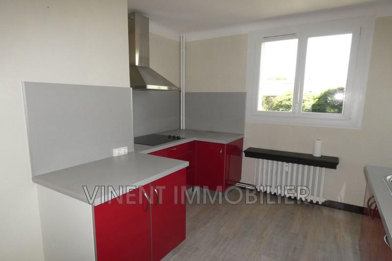 Photo Appartement Montélimar  Location appartement  3 pièces   72m²