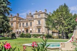 Vente château Vaucluse Capture d'écran 2019-11-18 à 16.30.27