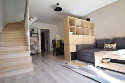 Photos  Appartement à louer Saint-Laurent-du-Var 06700