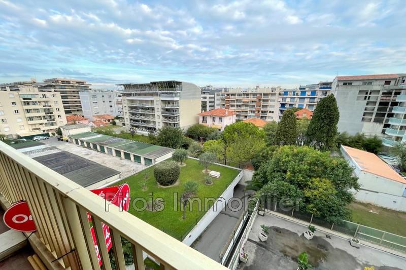 appartement  2 pièces  Juan-les-Pins Centre-ville  58m² -