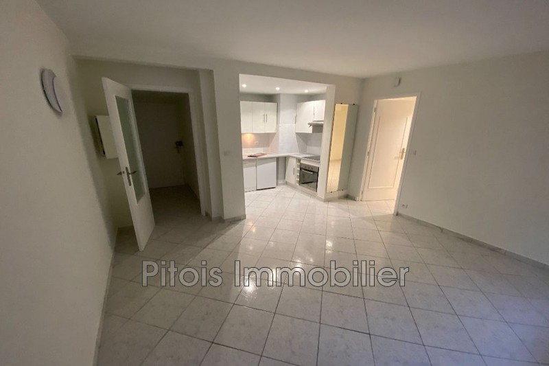 appartement  2 rooms  Juan-les-Pins Downtown  30m² -
