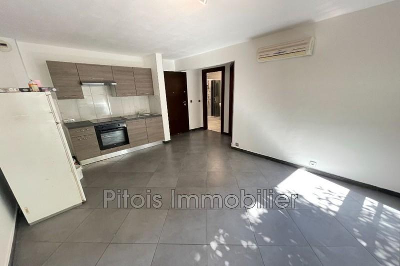 appartement  2 pièces  Antibes Centre-ville  37m² -