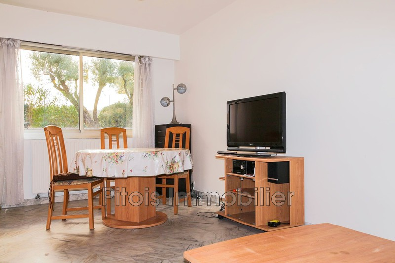 appartement  1 room  Juan-les-Pins Close ti the beaches  26 m² -