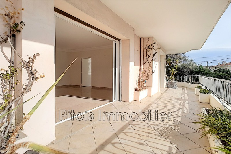 appartement  4 rooms  Juan-les-Pins Close ti the beaches  107 m² -