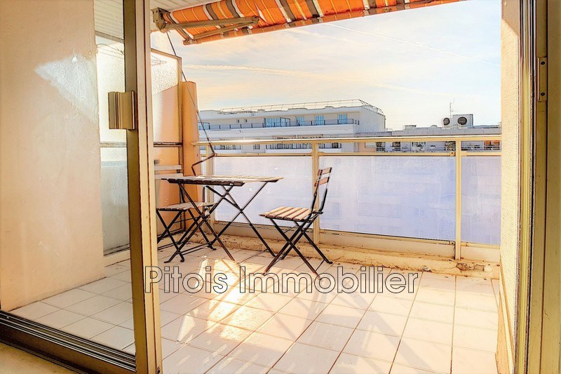 appartement  1 room  Juan-les-Pins Close ti the beaches  28 m² -