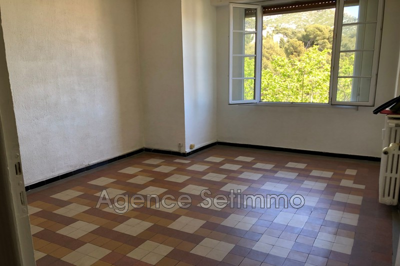 Photo n°2 - Location appartement Toulon 83000 - 610 €