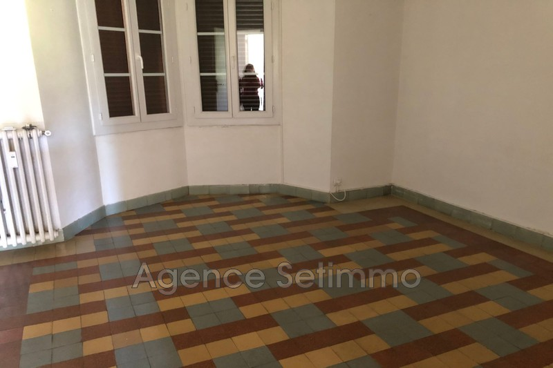 Photo n°3 - Location appartement Toulon 83000 - 610 €