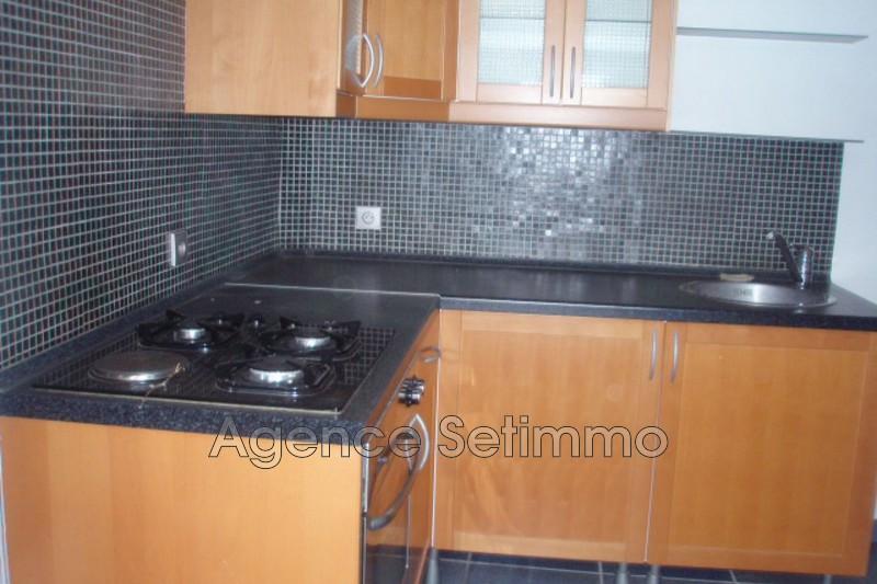 Photo n°2 - Location appartement Toulon 83000 - 638 €