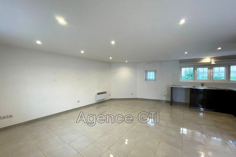 Photo n°1 - Location appartement La Crau 83260 - 780 €