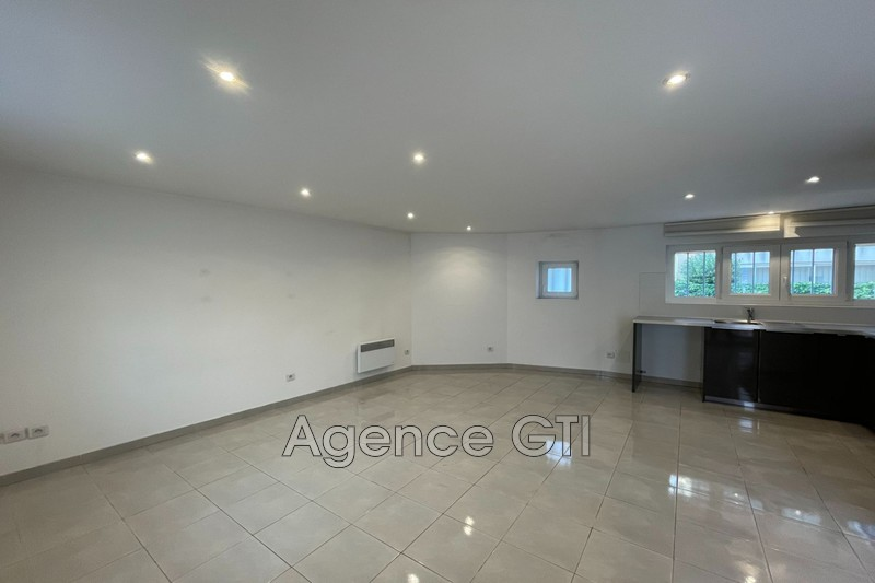 Photo n°2 - Location appartement La Crau 83260 - 710 €