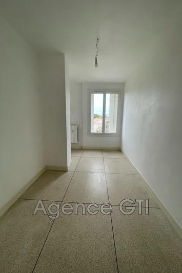 Photo n°3 - Location appartement Hyères 83400 - 861 €