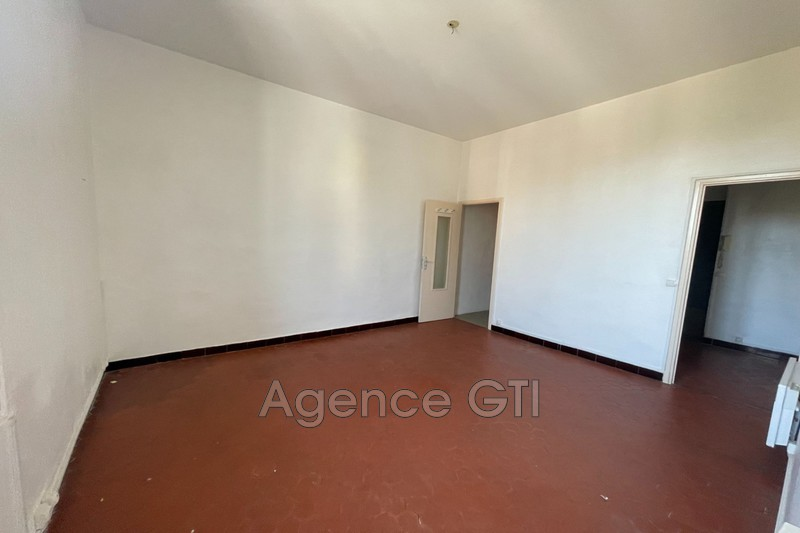 Photo n°3 - Location appartement Hyères 83400 - 680 €
