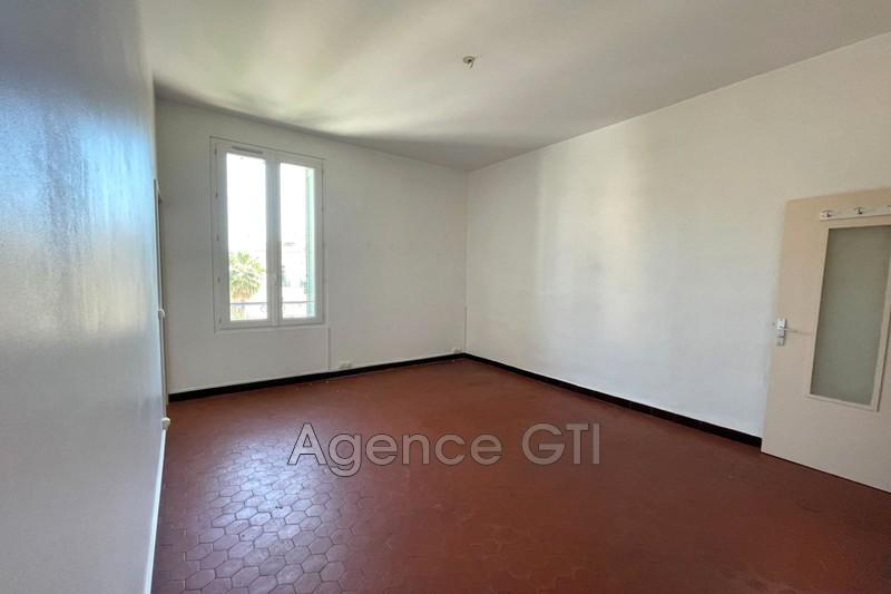 Photo n°2 - Location appartement Hyères 83400 - 680 €