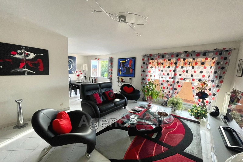 Photo n°1 - Vente appartement Hyères 83400 - 315 000 €