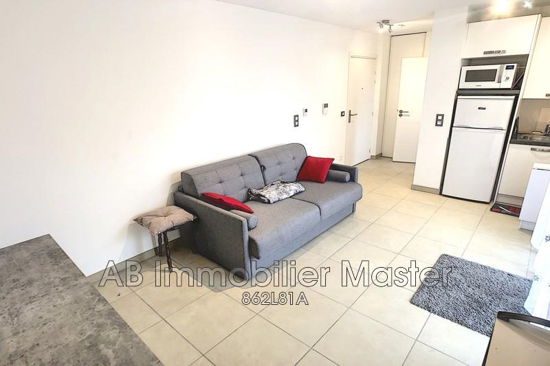 appartement  studio  Antibes Combes  21m² -